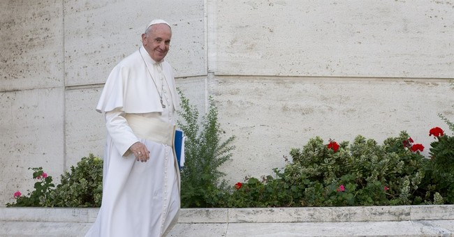 Pope to meet poor, Muslims and evangelicals in Africa