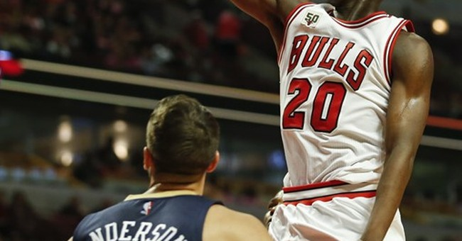 With same core, Chicago Bulls hope new voice is difference