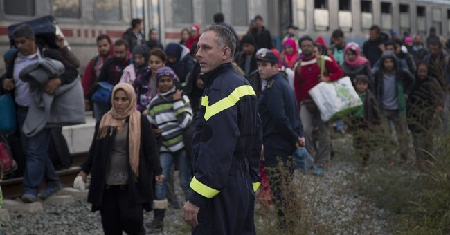 The Latest: Hungary shuts Croatian border to migrant flow