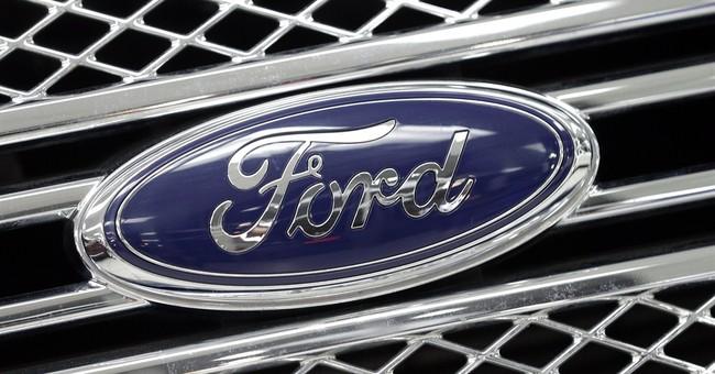 Ford beats estimates despite declines in earnings, revenue