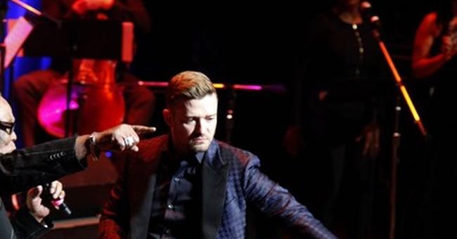 Timberlake sings a little, dances a little at Memphis event