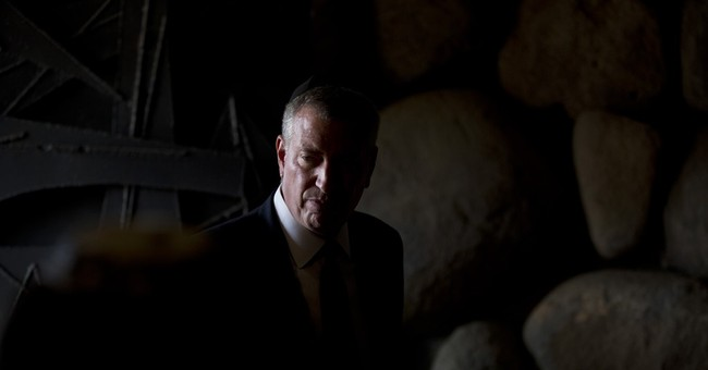 In Israel, New York City mayor calls for end to violence