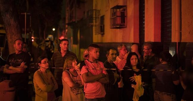Big explosion hits Rio de Janeiro; 7 hurt in blast