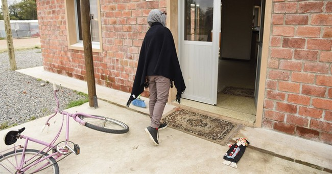 Many Uruguayans fed up with complaints from Syrian refugees