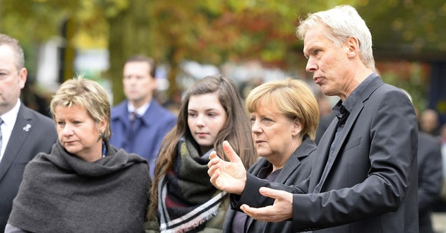 Merkel visits school that lost 18 in Germanwings crash