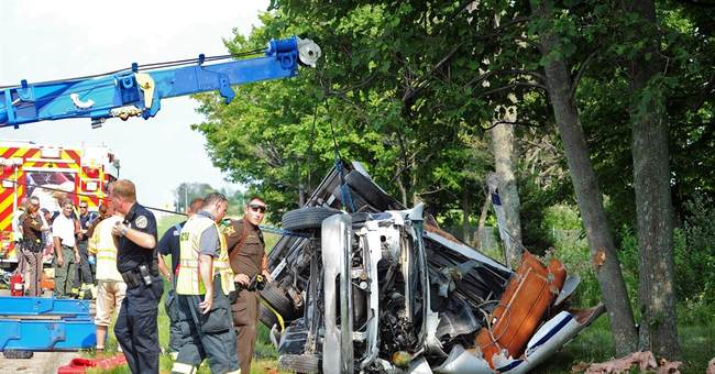 Driver in fatal Indiana bus crash charged with using cocaine