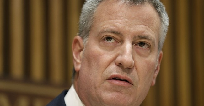 NYC mayor pushes bail reforms after police officer's slaying