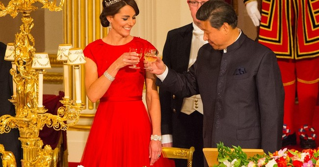 The Latest: China' Xi attends London banquet in his honor