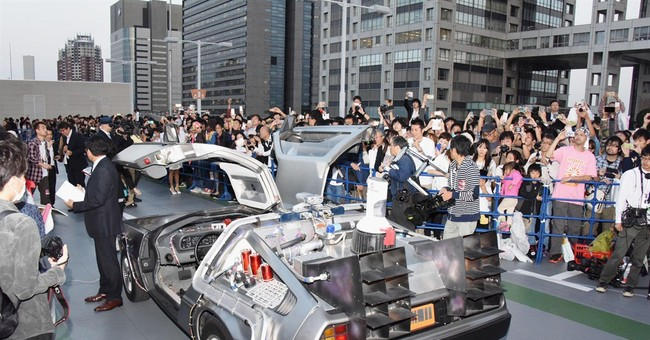 Fox torn over Cubs prediction in 'Back to the Future II'