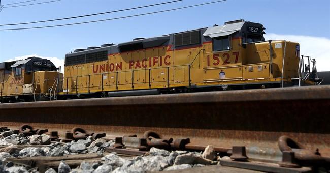 Union Pacific 3Q profit slides 5 percent as volume slows