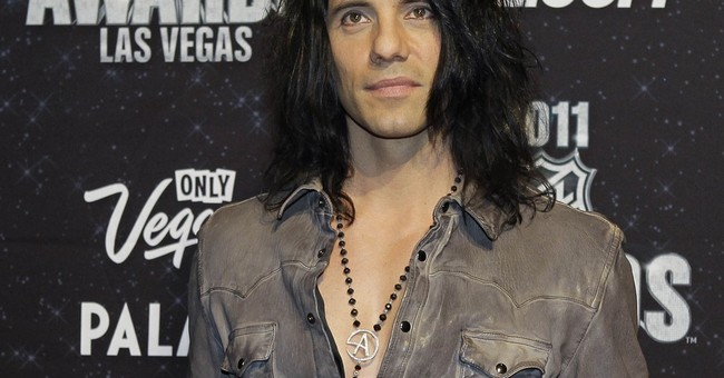 Vegas illusionist Criss Angel cancels shows to visit ill son