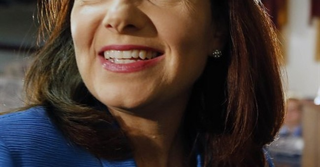 Ayotte crafts herself as independent voice in Senate contest
