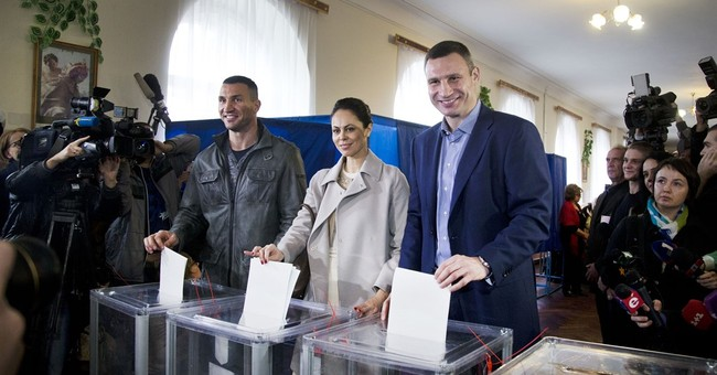 Ukraine holds local elections that test oligarchs' reach