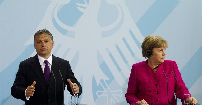 Merkel to visit Hungary at time of huge political challenges