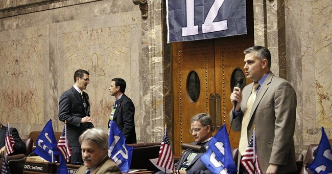Wearing Seahawks gear, lawmakers support fantasy football
