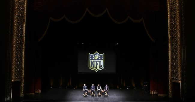 Rowdy crowd greets NFL executives at St. Louis hearing