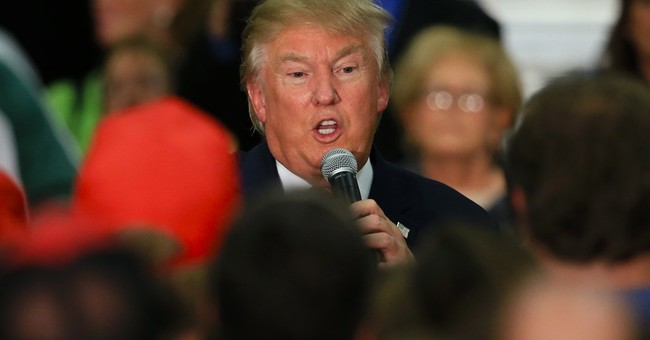 Trump, down in polls, begs Iowa voters for support