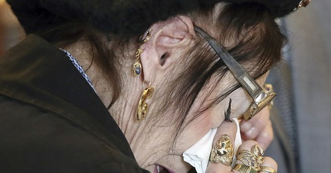 Witch wins protective order against warlock in Salem court