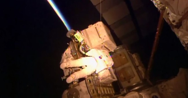 Astronaut completes spacewalk right before setting US record