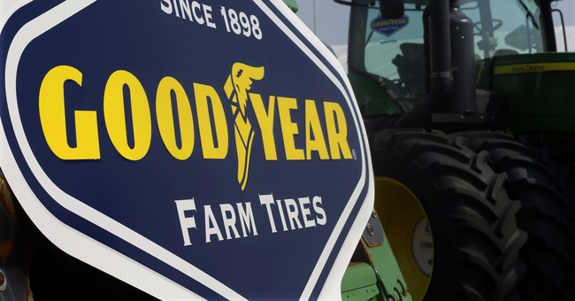 Goodyear tops 3Q profit forecasts on lower costs