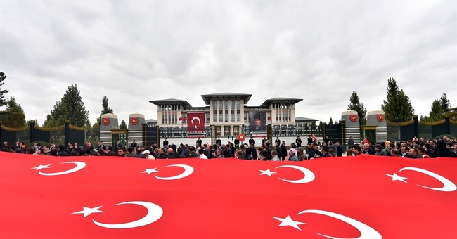 Turkish parties rally ahead of Sunday's election