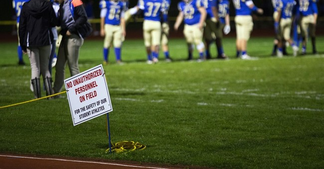 Praying coach's suspension opens split on religion in school