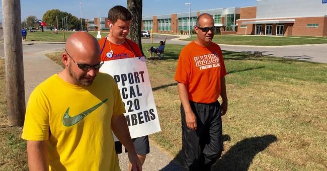 Striking East St. Louis teachers, school board approve deal