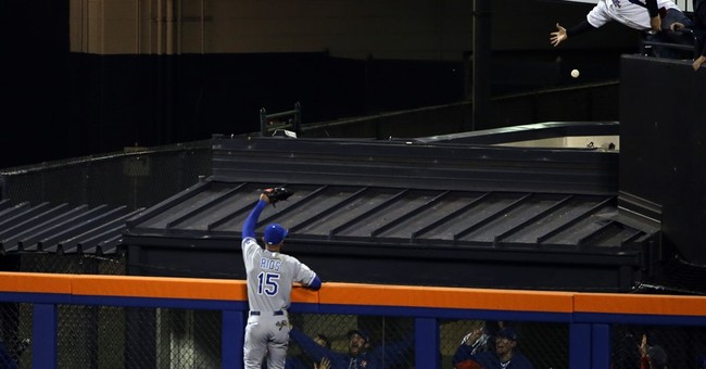 Royals survive Rios' gaffe, top Mets 5-3 for 3-1 Series lead