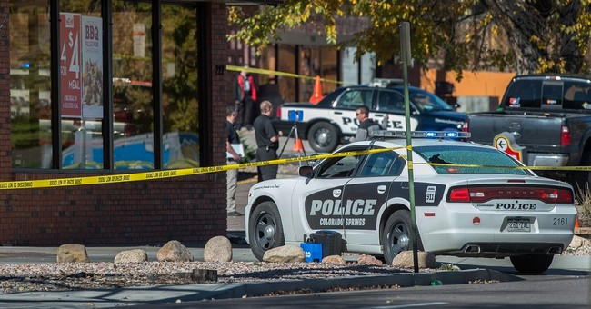 Police say gunman kills 3 in downtown Colorado Springs