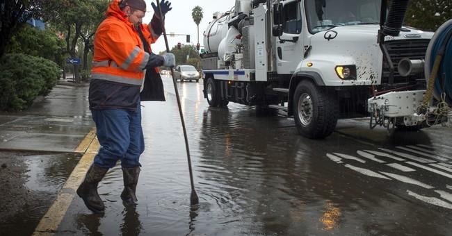 California storm brings rain, snow, highway pileup