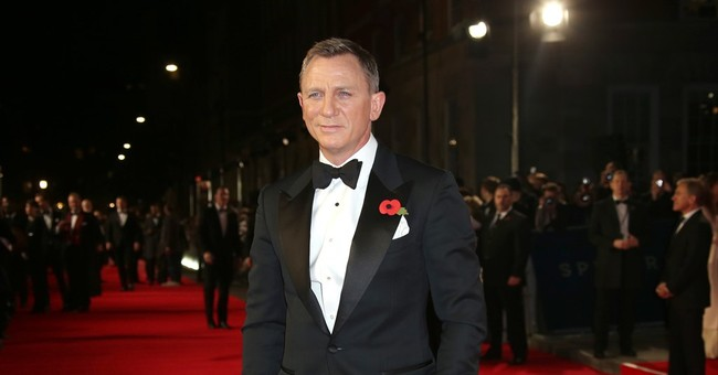 Bond producers hope to 'hang on' to Daniel Craig as 007