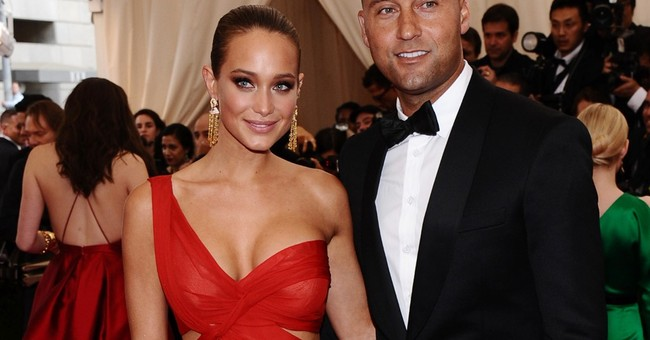 Jeter sneaks engagement into essay about his dog