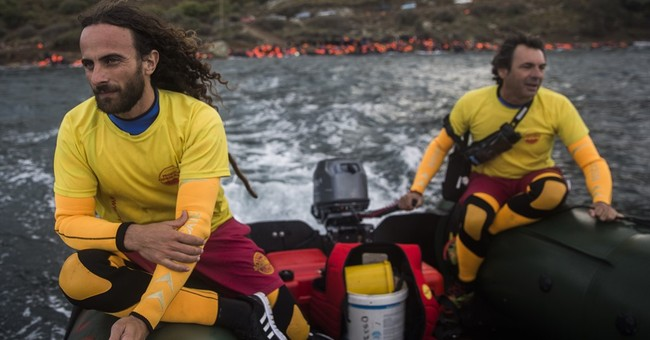 Beach rescuers in life-and-death struggle on Greece island