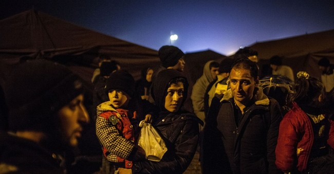 EU predicts 3 million migrants could arrive by end 2016