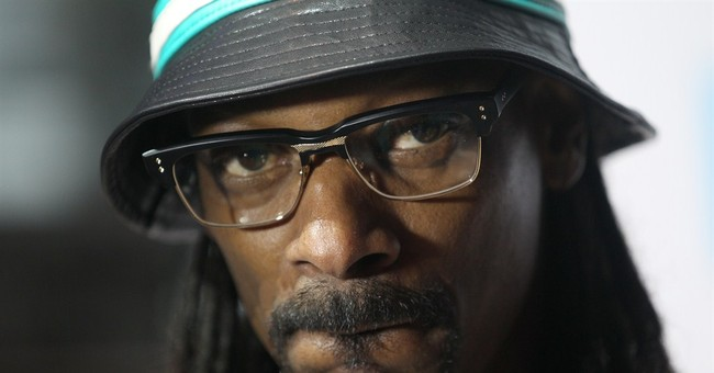 Snoop Dogg keeping focus on youth football before Super Bowl