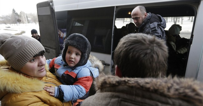Civilians flee east Ukraine town as fighting intensifies