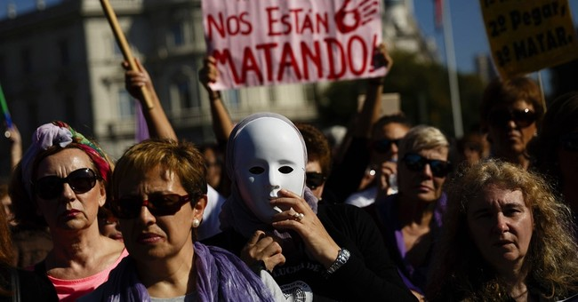 Thousands of Spaniards protest against domestic violence