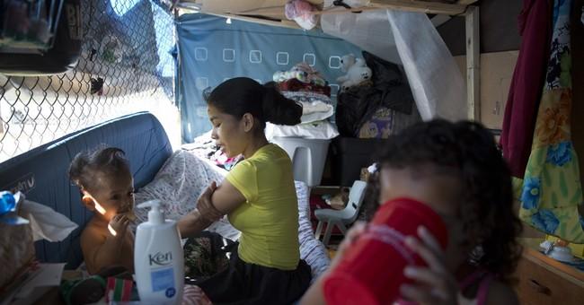 AP PHOTOS: Homeless struggle with high costs of Hawaii