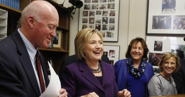 In a year of outsider angst, Clinton seeks inside lane