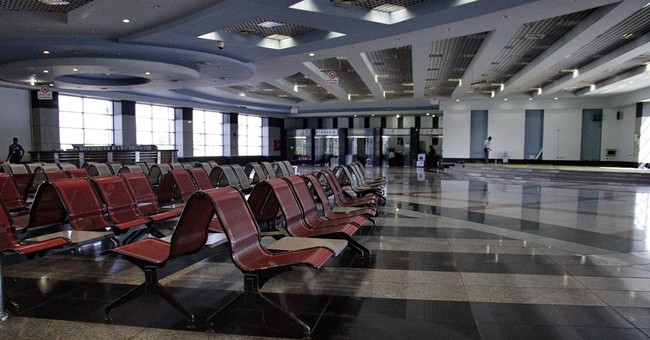 Tourists vacate Egypt after Russian plane crash