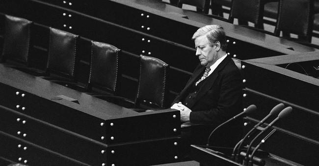 Helmut Schmidt dies at 96, ex-chancellor and elder statesman