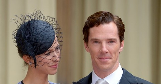 Benedict Cumberbatch receives honor from queen