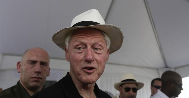 Bill Clinton visits big wind farm in western Panama