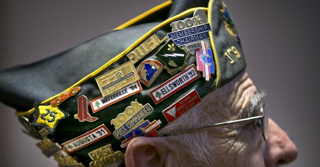 AP PHOTOS: US honors its military on Veterans Day