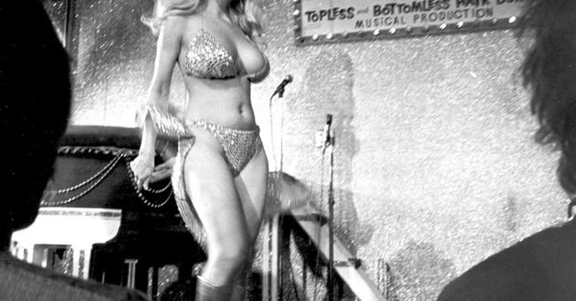 Carol Doda, who helped introduce topless entertainment, dies