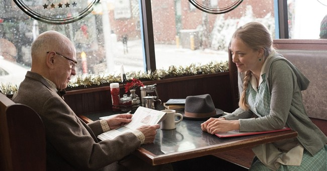Review: 'Love the Coopers' is a moving, starry holiday pic