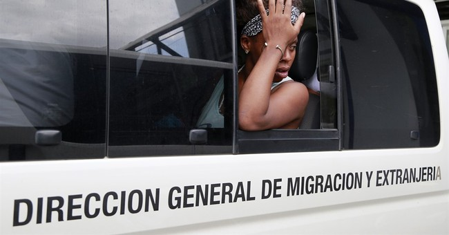 Costa Rica giving detained Cuban migrants transit visas