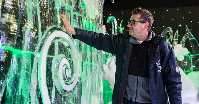 Ice sculpture festival suffers from Belgian balmy weather