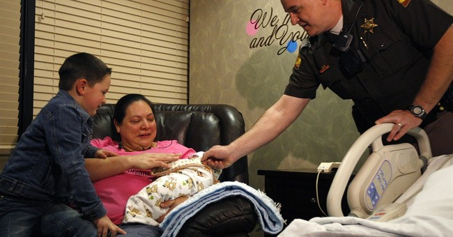 Baby born on roadside as mom drives herself to hospital
