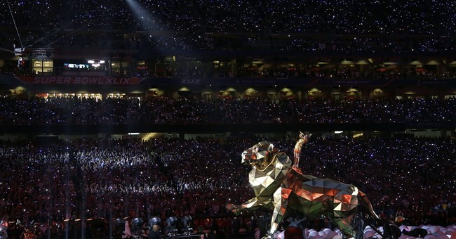 Technology, Elliott give Perry's Super Bowl show a boost